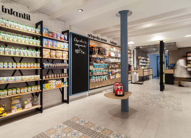 Diseño y reforma de farmacias modernas en Albacete. Interiorismo de farmacia