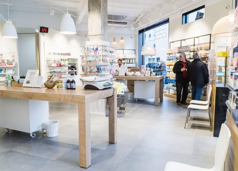 Diseño y reforma de farmacias modernas. Interiorismo farmacias Mataró.