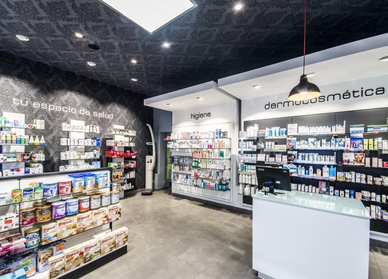 Diseño y reforma de farmacias modernas en Madrid. Interiorismo de farmacias.