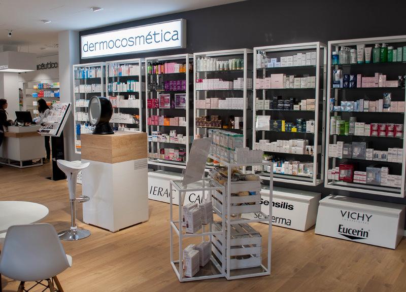 Diseño y reforma de farmacias modernas en Zaragoza. Sección Dermoestética farmacia Senante.