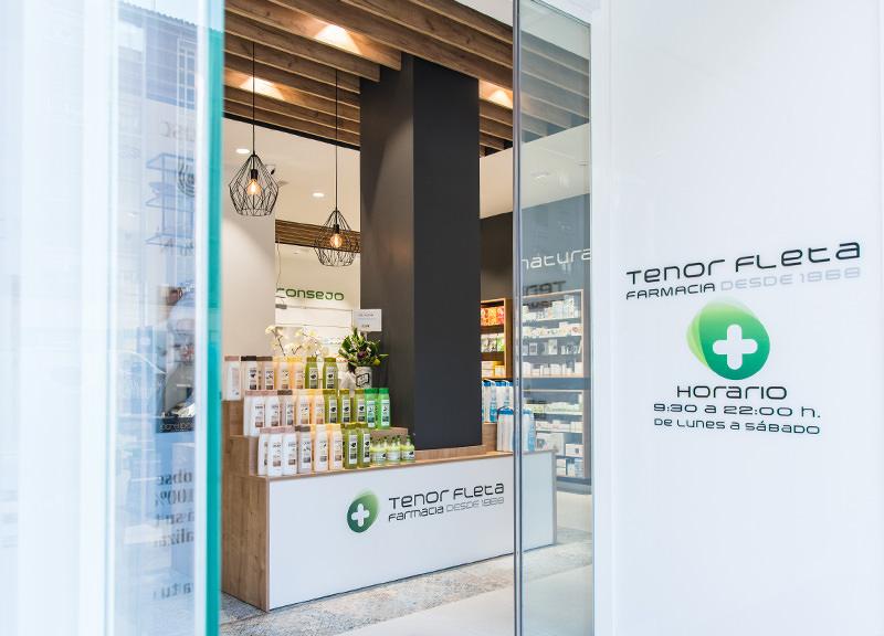 Diseño y reforma de farmacias modernas en Zaragoza. Farmacia Tenor Fleta